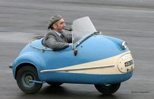Three-Wheels-Funny-Looking-Samll-Car-Photo